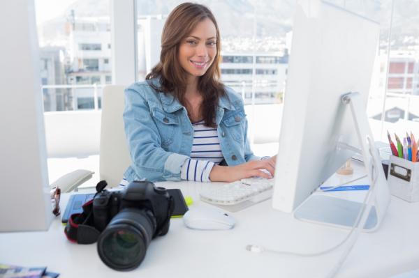 Cómo ser modelo de fotografía - conoce los pasos - Envía tus datos y fotografías a los agentes de modelos
