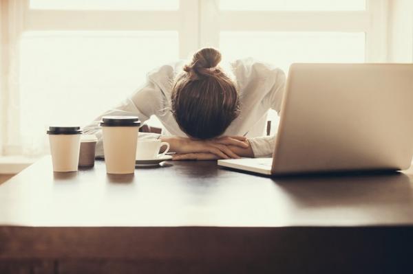 Cómo dormir con ruido - soluciones efectivas - Consecuencias de dormir poco o mal