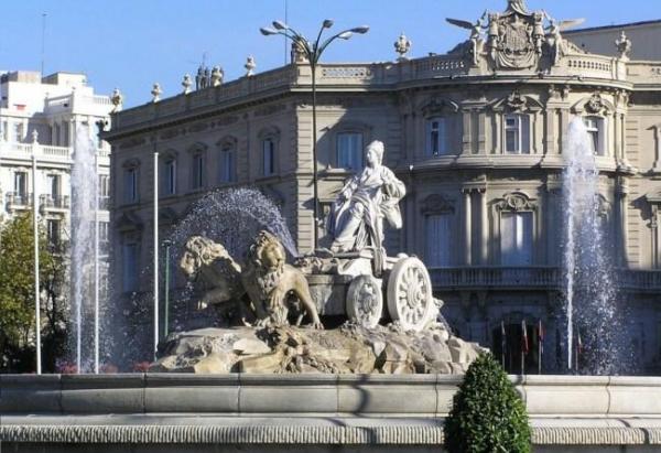 Cuáles son los monumentos más importantes de Madrid - Fuente de Cibeles