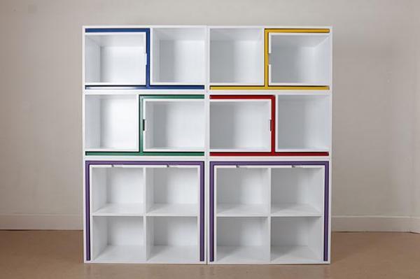 Ingeniosos muebles para ahorrar espacio - Un conjunto de mesas y sillas que, además, es un gran estante