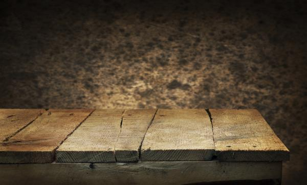 Cómo quitar manchas de humedad en la madera - La importancia del tipo de madera a tratar por humedad