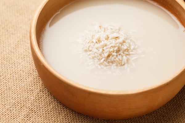 Cómo hacer agua de arroz para el cabello - Cómo hacer agua de arroz para el pelo paso a paso