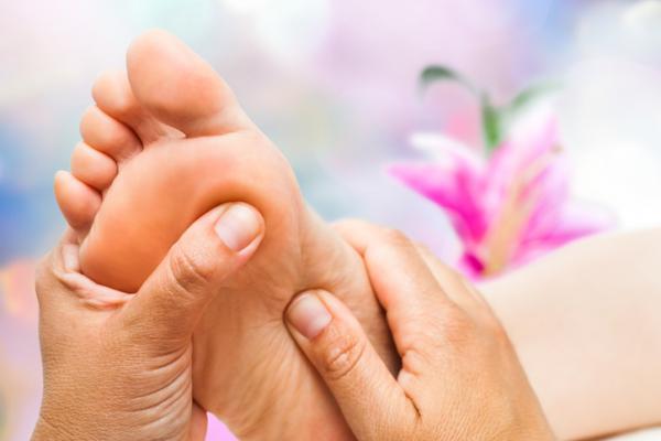 Por qué me dan calambres en los pies - Remedios caseros para los calambres en los pies