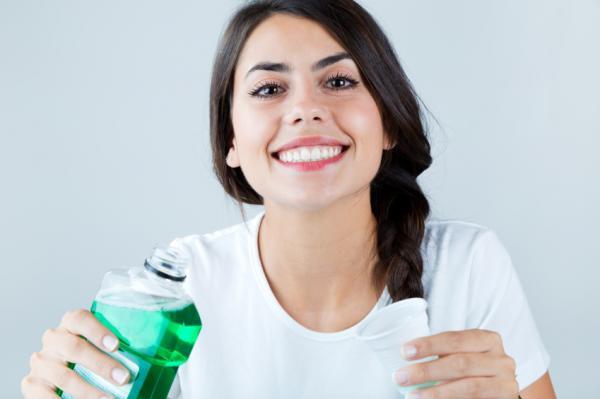 Por qué tengo las encías moradas - Productos para la higiene bucal y medicamentos