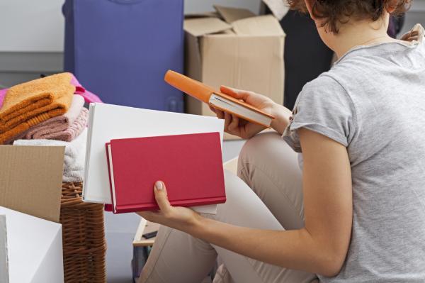 Cómo organizar mi habitación - Ordena las cosas en diferentes cajas