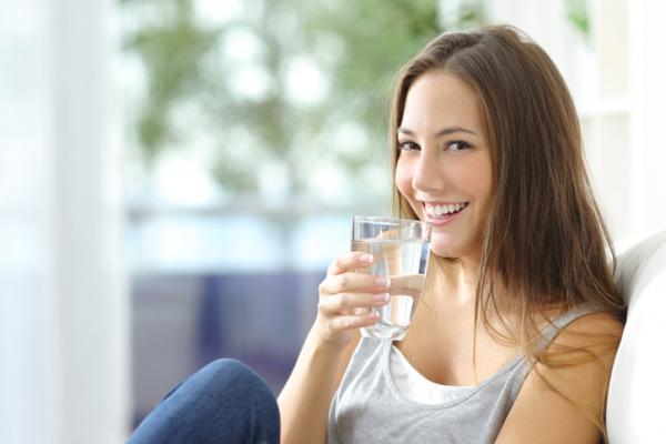 Cómo hacer agua alcalina en casa