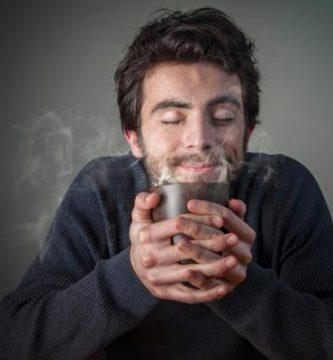 Por qué mi orina huele a café - te lo contamos