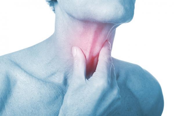 Por qué siento palpitaciones en la garganta