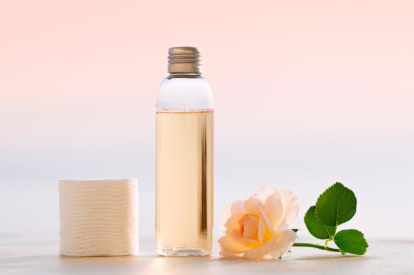 Cómo limpiar las esponjas de maquillaje - Cómo limpiar las esponjas de maquillaje con jabón y desmaquillante