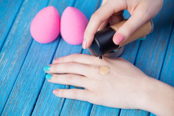Cómo limpiar las esponjas de maquillaje - Cómo usar la esponja de maquillaje