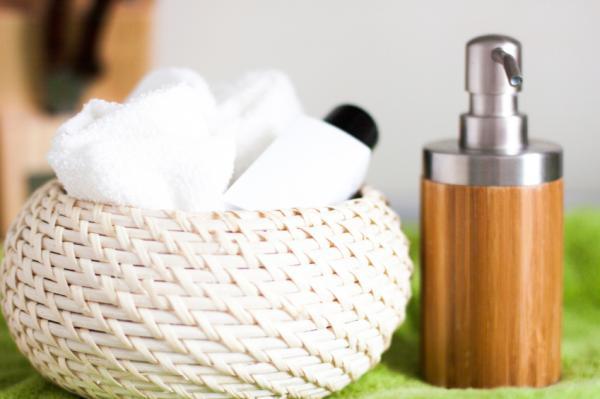 Cómo limpiar las esponjas de maquillaje - Cómo limpiar las esponjas de maquillaje con jabón líquido