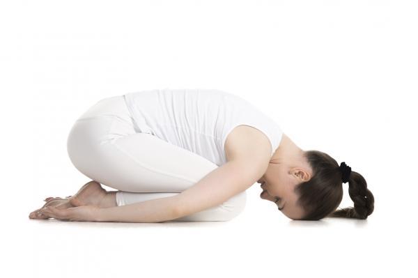 Cómo hacer abdominales con plancha - Completa con la postura del niño
