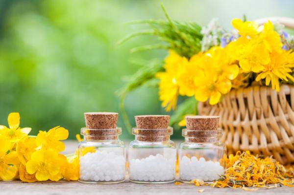 Remedios caseros para la psoriasis en las uñas - Aceite de árnica
