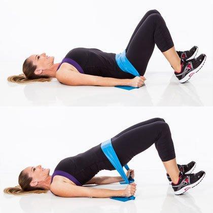 Cómo hacer abdominales con banda elástica - Paso 2