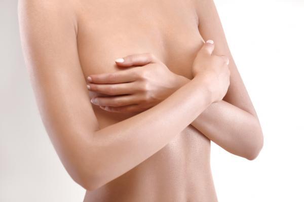 Cómo cuidar un piercing en el pezón - Paso 4