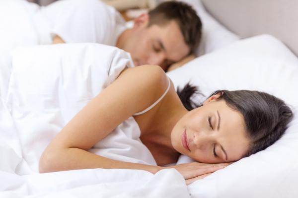 Cómo dormir con tortícolis - Paso 4