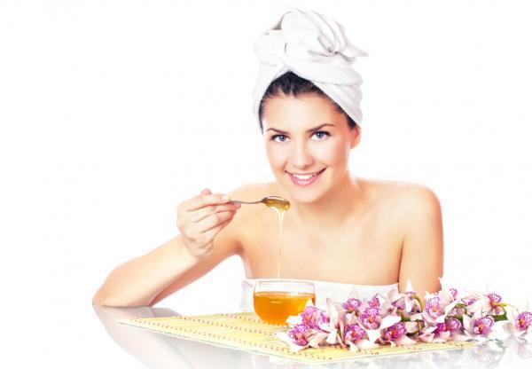 Remedios caseros para dar volumen al pelo - Mascarillas de miel para un pelo con más volumen