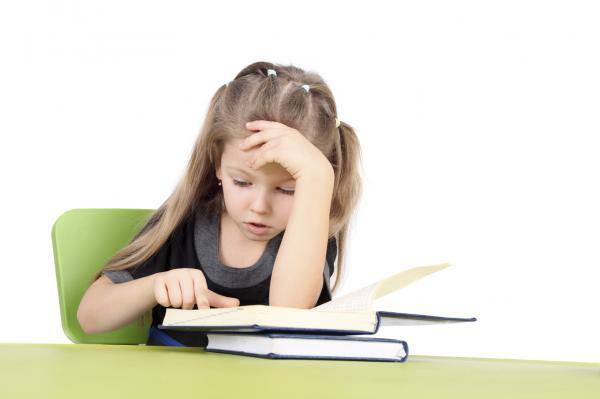 Cómo ayudar a un niño con dislexia - Qué hacer para ayudar a un niño disléxico