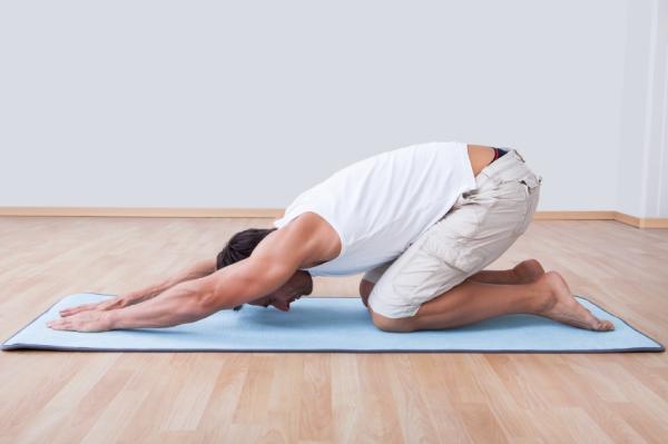 Cómo estirar la espalda baja - Paso 3