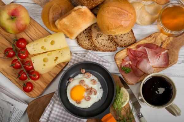 Saltarse el desayuno ¿es bueno o malo? - Para aquellos en guerra con los carbohidratos