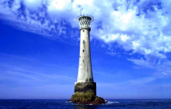 Cuál es la isla más pequeña del mundo - Bishop Rock, la más pequeña de todas