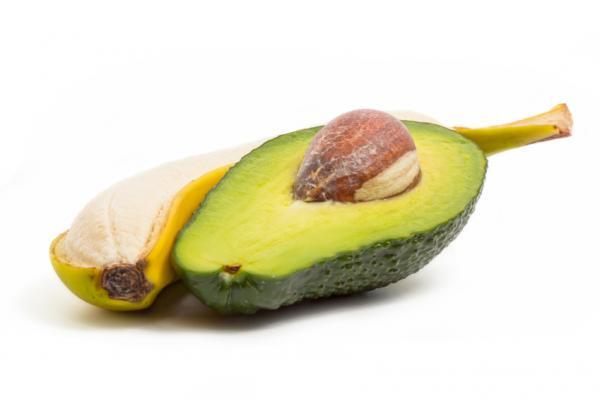 Cómo suavizar los talones duros - Mascarilla de aguacate, plátano y miel