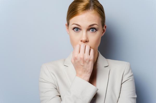 Causas del acné en adultos - El estrés