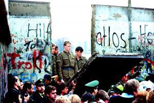 Causas de la caída del muro de Berlín - Causas de la caída del muro de Berlín