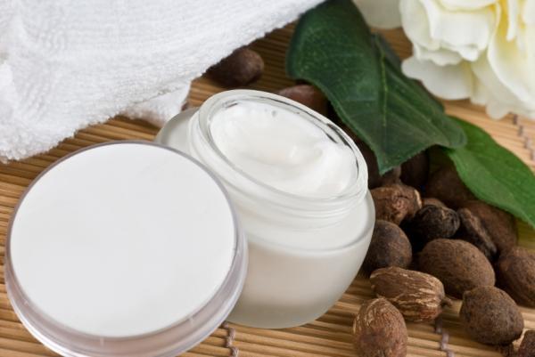 Cremas reafirmantes caseras para el cuerpo - Crema reafirmante de manteca de karité y aceites esenciales