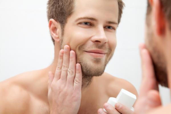 Como rejuvenecer el rostro masculino - Uso de cremas especiales