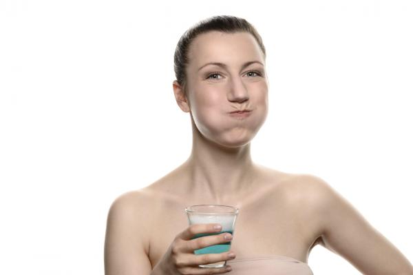 Síntomas de la periodontitis - Tratamientos naturales para la periodontitis