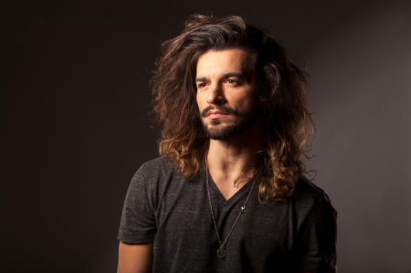 Peinados para hombres con pelo largo - Paso 3