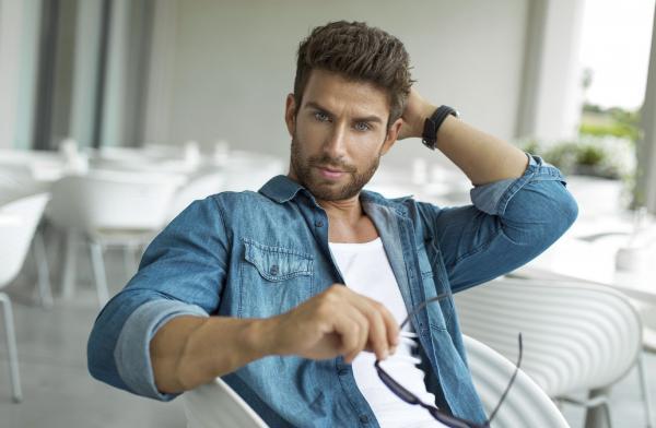 Peinados para hombres con pelo largo - Paso 2