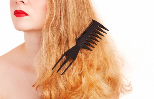 Cómo reparar el cabello quemado - Paso 1
