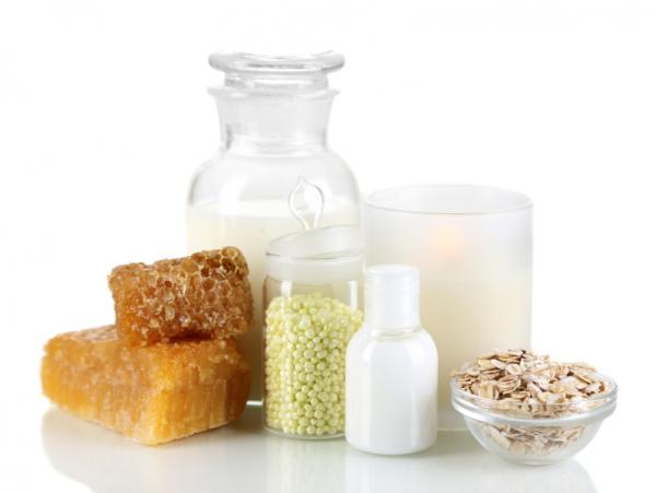 Cómo hacer un tónico para piel seca - Tónico de miel y leche