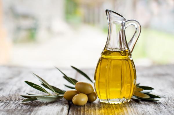 Cómo hacer un tónico para piel seca - Tónico de leche y aceite de oliva